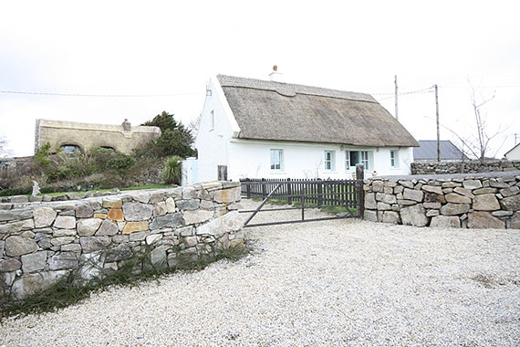 Thatched Cottage For Sale: Knockanavoddy, Furbo, Co. Galway