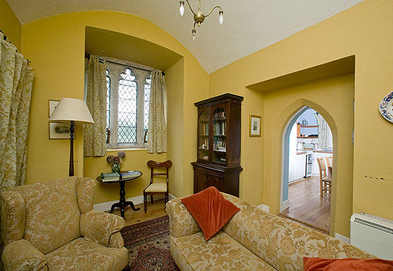 Self-Catering Accommodation at Annes Grove Miniature Castle, Castletownroche, Co. Cork