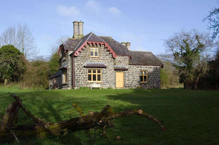 Self-Catering Accommodation at Ballealy Cottage, Shane's Castle Estate, Co. Antrim