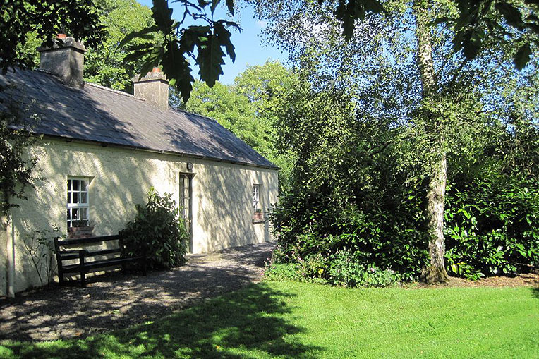 Self-Catering Accommodation at Clonleason Gate Lodge, Navan, Co. Meath