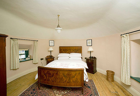 Self-Catering Accommodation at Castletown Round House, Celbridge, Co. Kildare