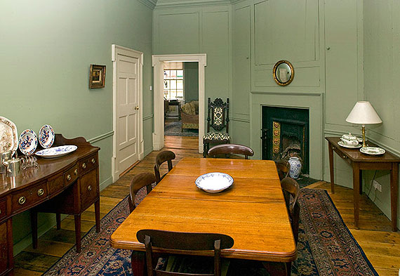 Self-Catering Accommodation at Georgian Townhouse, Temple Bar, Dublin 2