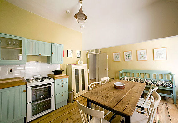 Self-Catering Accommodation at Merrion Mews, Off Merrion Square, Dublin 2