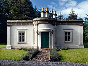 Self-Catering Accommodation at Triumphal Arch Lodge, Colebrooke, Co. Fermanagh