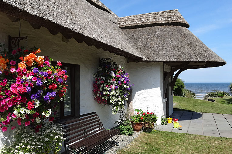 Self-Catering Accommodation at Thatcher's Rest Cottage, Coast Road, Bettystown, Co. Meath