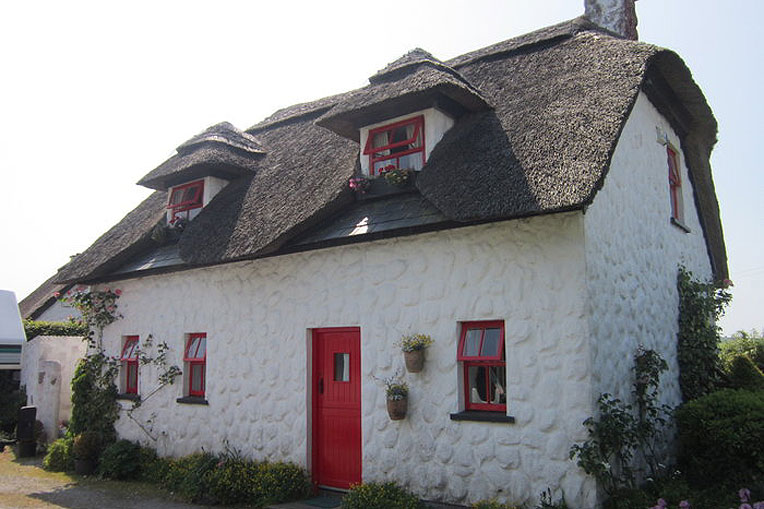 Thatched Cottage For Sale Roisin Dubh Knockananna Co Wicklow