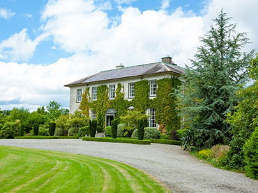Self-Catering Accommodation in a Georgian Country Manor, Carrick-on-Suir, Co. Tipperary