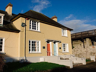 Self-Catering Accommodation at Parade House, Elizabeth Fort, Co. Cork