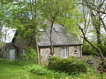 Self-Catering Accommodation at Frewin Cottage, Frewin House, Ramelton, Co. Donegal