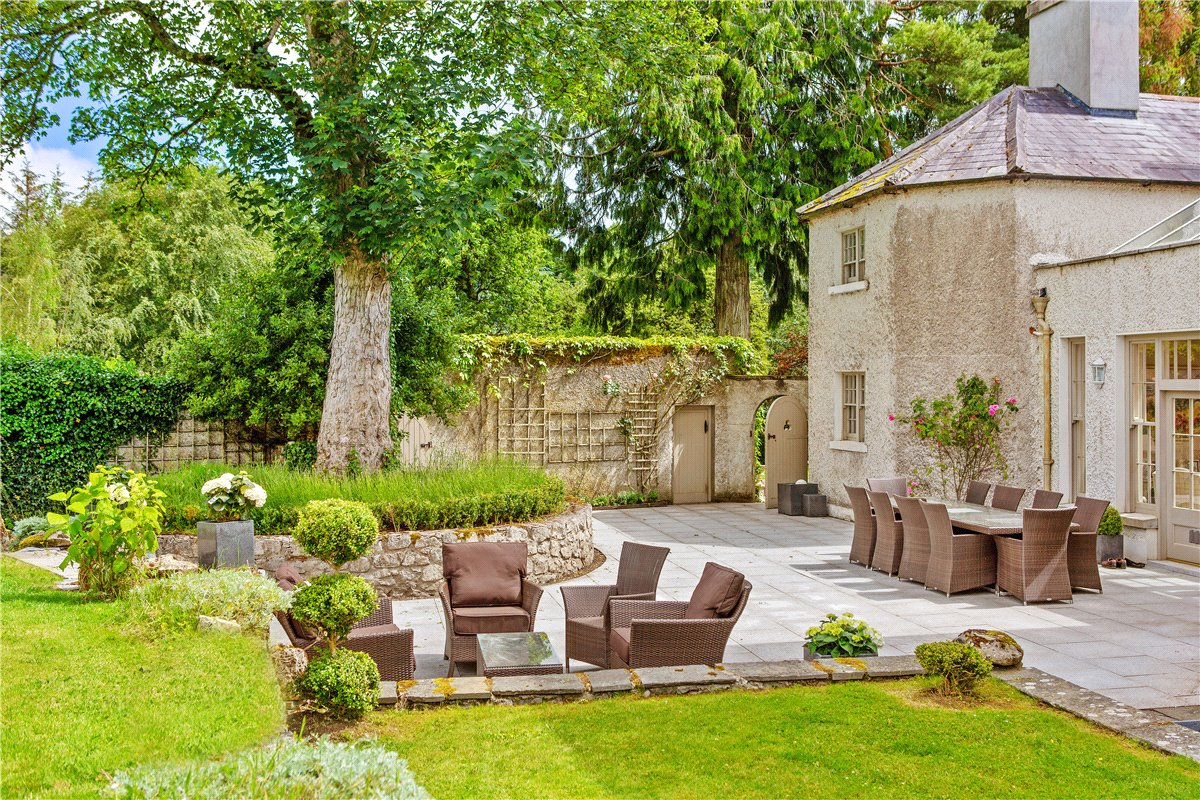 Country House For Sale: Oldcourt House, Donadea, Co. Kildare