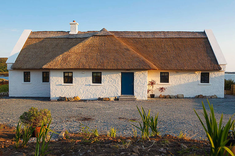Self-Catering Accommodation at Bayside Cottage, Connemara, Co. Galway