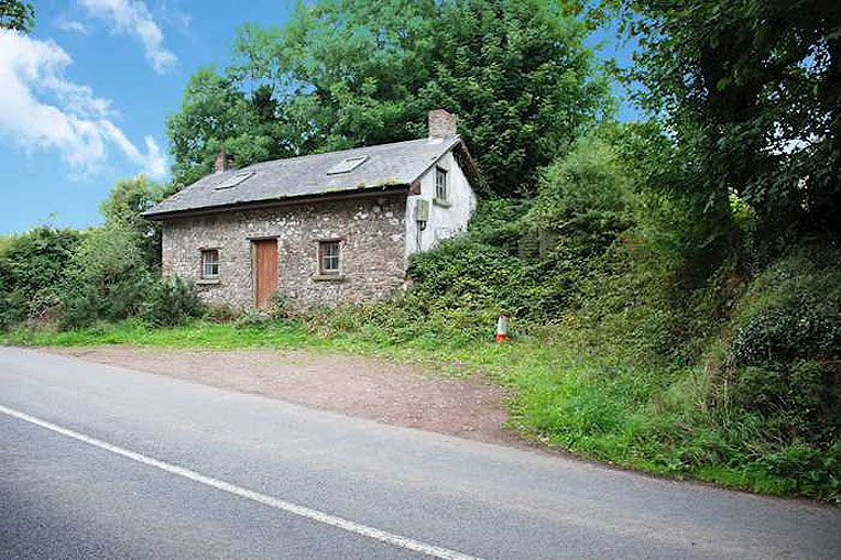 Cottage For Sale: Coolbunnia, Cheekpoint, Co. Waterford