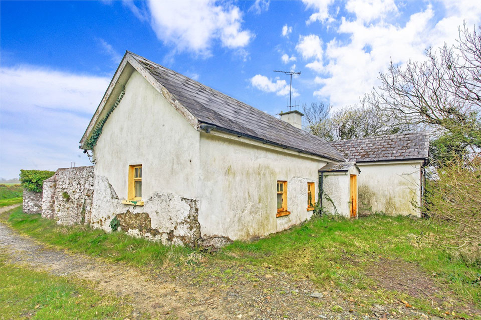 Two Bedroom Cottage For Sale: Newtown, Broadway, Co. Wexford