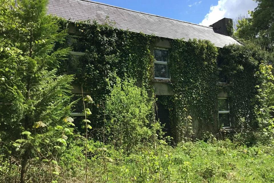 Traditional Style Farmhouse For Sale: Granlahan, Ballinlough, Co. Roscommon